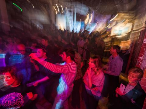 Terrain 艺术和音乐活动的夜晚带来本地艺术、音乐和更多体验