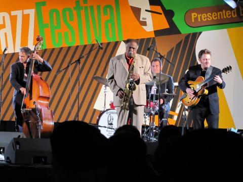欣赏蒙特雷爵士音乐节期间的精彩表演