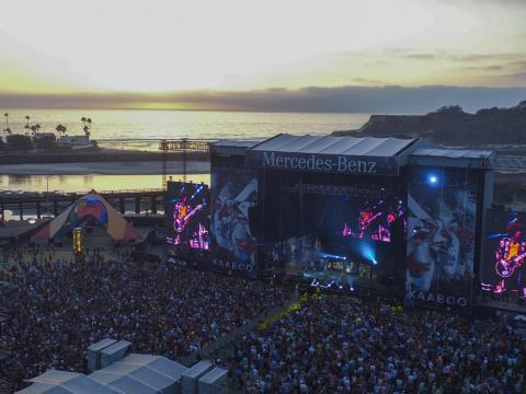 圣地亚哥 KAABOO 音乐节上的海滨场景